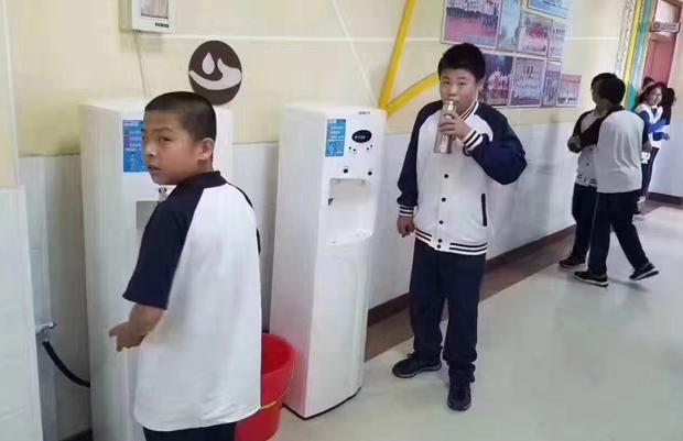 学校直饮机应用场景